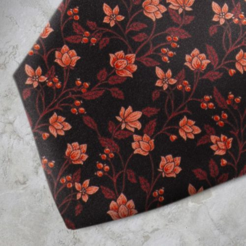 Cravatta fantasia floreale nera e rossa SS16