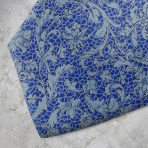 Cravatta fantasia floreale azzurra e blu SS16
