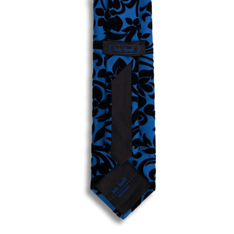 Black silk tie with black velvet ramage