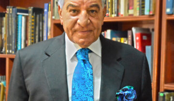 Famous archaeologist and Minister of  Egyptian Ancient Affairs Zahi Hawass choose Italo Ferretti